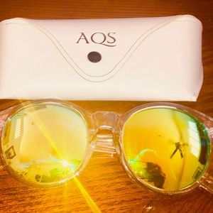 Sunglasses  with mirrored lens 100% UV protection